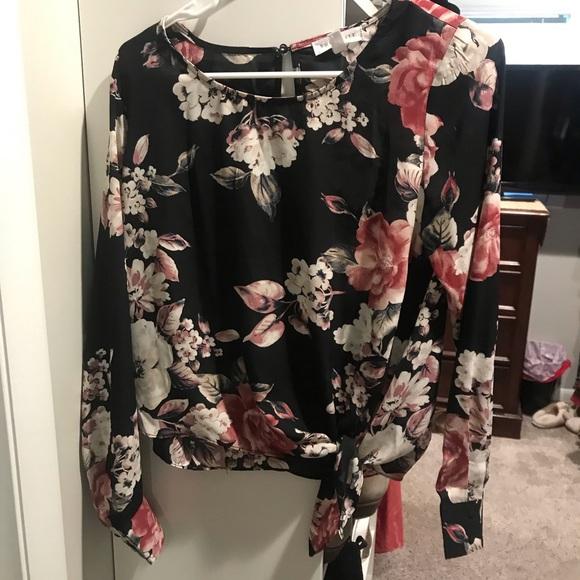Socialite Tops - Floral blouse